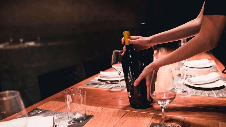 Los atributos de los mejores vinos tienen diversas variables.