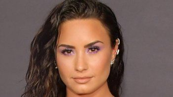 La cantante fue hallada sola e inconsciente en su casa.