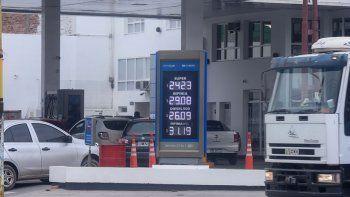 La suba de la nafta perforó el techo de los $29 en las YPF