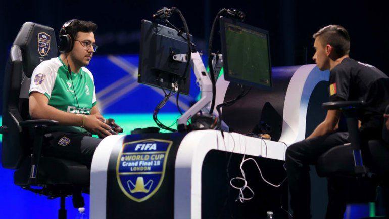 Los competidores se enfrentaban en las consolas Play Station 4 y Xbox.