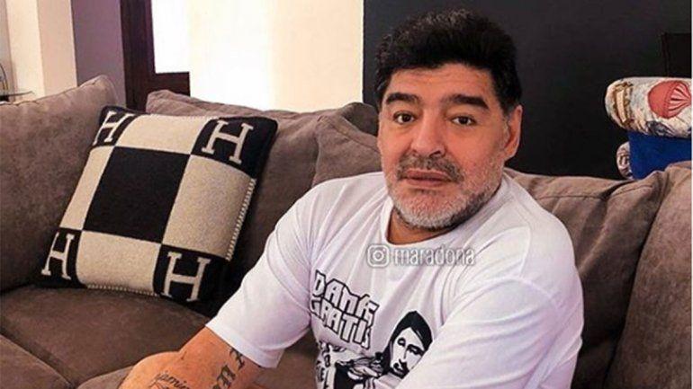 Maradona se enojó y se postuló como DT de la Selección