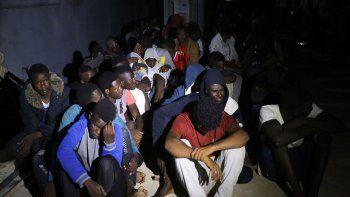 Italia tiene una política de aislamiento brutal, acusó España.