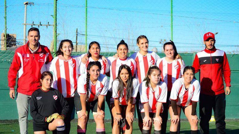 Mauricio Villa dirige al plantel femenino del Rojo junto a Javier Vega en la Liga Fem.
