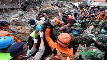 tragedia por otro sismo  en indonesia