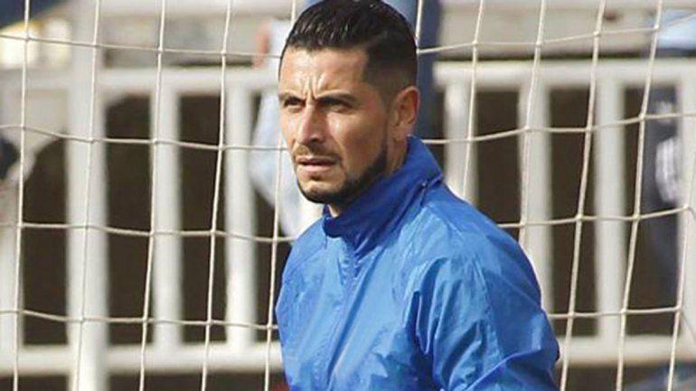 Adrián Sporle es titular en el Banfield de Julio Falcioni. Joaco Torres