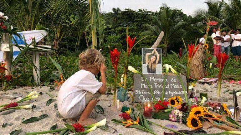 En horas abusan y matan a dos turistas en Costa Rica