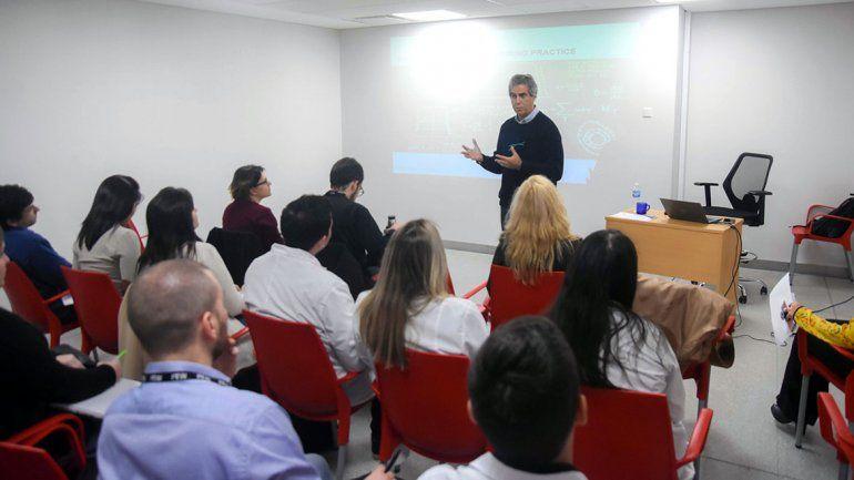 Un experto mundial en física médica capacita a representantes de todo el país