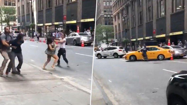 Una taxista atacó a piñas a otro conductor y su pareja