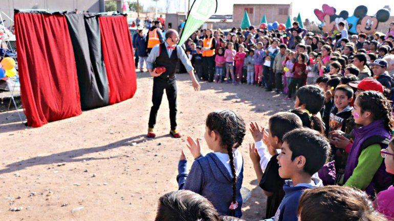 En el nuevo Polideportivo ayer hubo festejos por el Día del Niño.