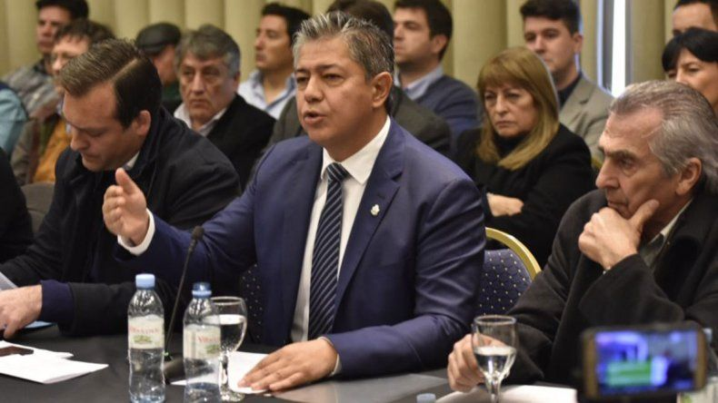 Figueroa metió una línea del MPN en contra de Macri