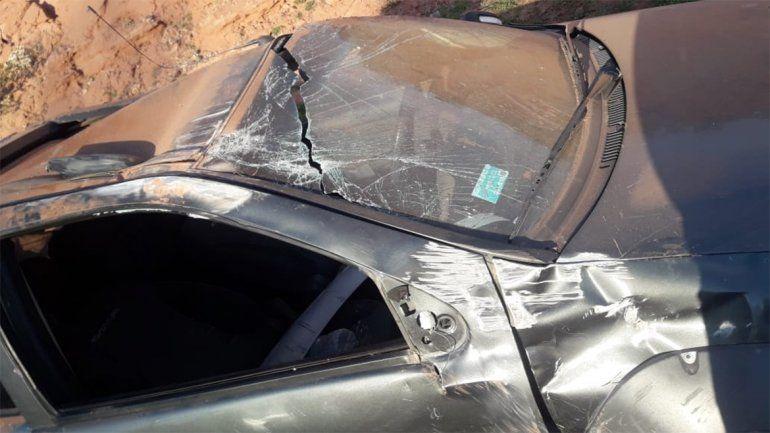 Perdió el control y volcó: una mujer y su hija resultaron heridas