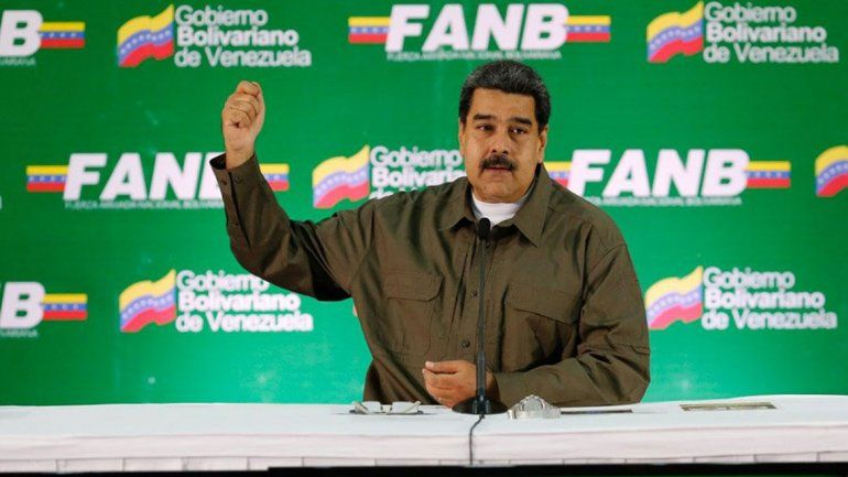 El presidente venezolano acusa a la oposición de intentar asesinarlo.