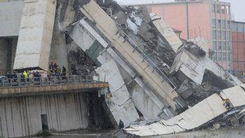 italia: al menos 35 muertos por el derrumbe de un puente