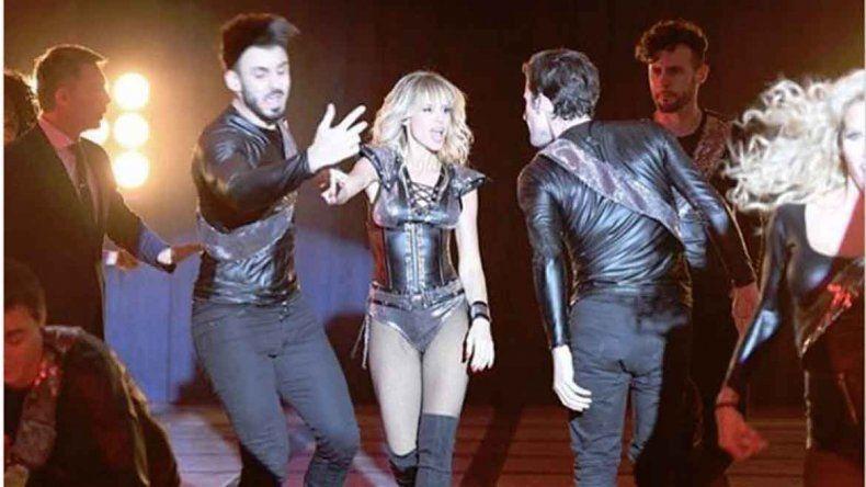 Mariana Fabbiani brilla bailando muy hot en El Host