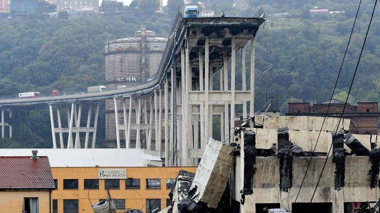 Italia: se derrumbó un puente y hay 35 muertos