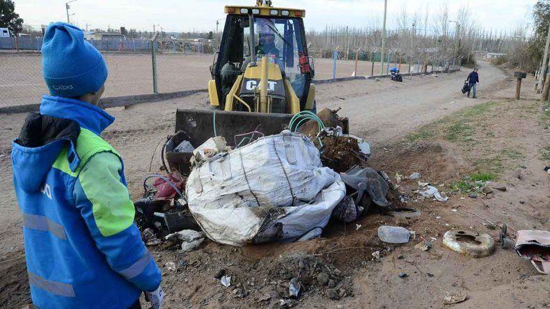 El operativo de limpieza se instaló en Valentina Norte