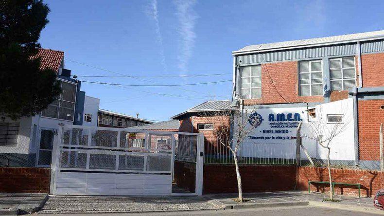 Padres de alumnos agredidos en el AMEN piden intervención de Fiscalía