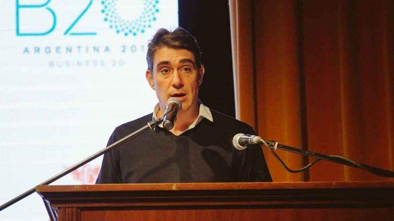 Iguacel respondió críticas  al tren de Vaca Muerta