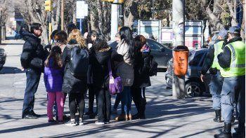 mamas del amen respaldaron al colegio ante storioni