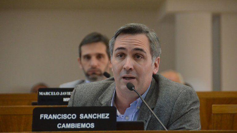 Favaloro-Kirchner, el debate por una estatua en la ribera