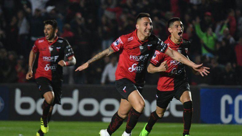 Colón eliminó a San Pablo en los penales y sigue en la Sudamericana