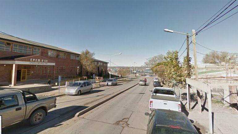 Una alumna del CPEM 53 se bajó del colectivo, cruzó la calle y la atropellaron