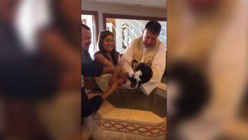 mexico: una nena insulto a un cura mientras la bautizaba