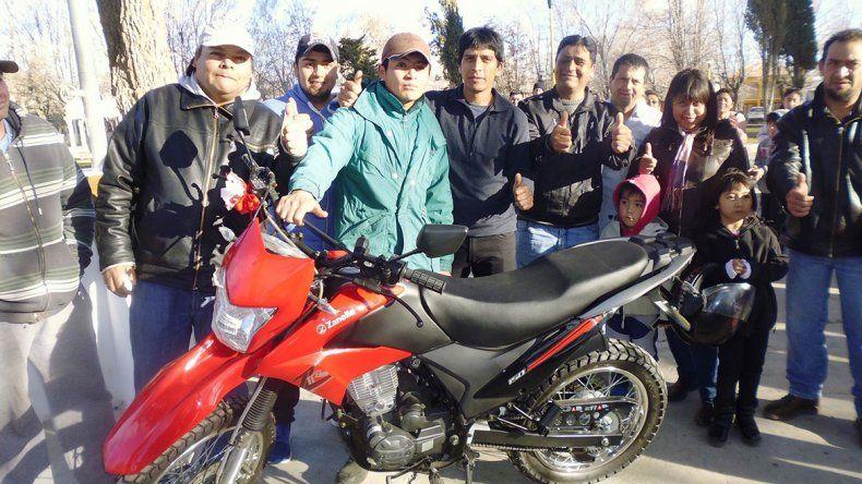 Rafa cumplió el sueño  de tener su propia moto