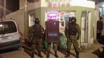 desbarataron tres kioscos narco: incautaron 60 dosis de droga y mas de cien mil pesos