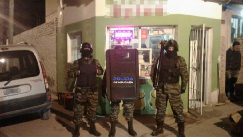 Desbarataron tres kioscos narco: incautaron 60 dosis de droga y más de cien mil pesos