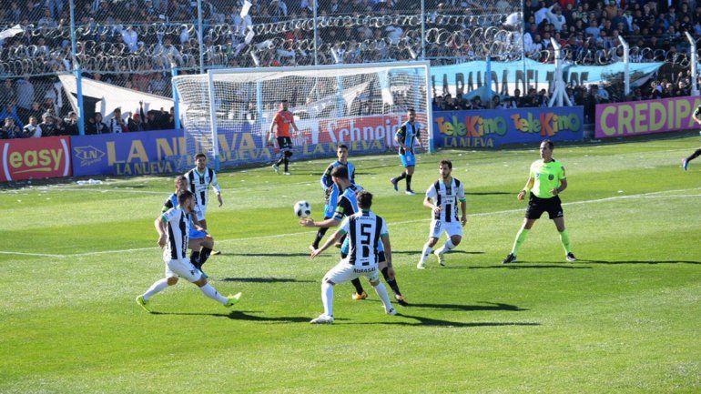 Partido suspendido en Cutral Co: Almagro derrotó a Cipo por 2 a 0