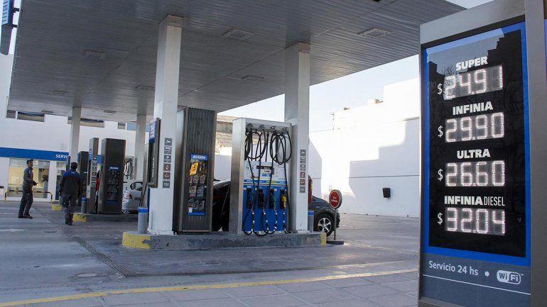 Nuevo golpe al bolsillo: volvió a aumentar la nafta y el gasoil