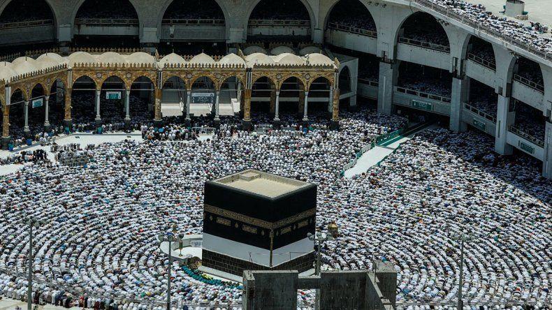 Más de dos millones de musulmanes ya peregrinan a La Meca.