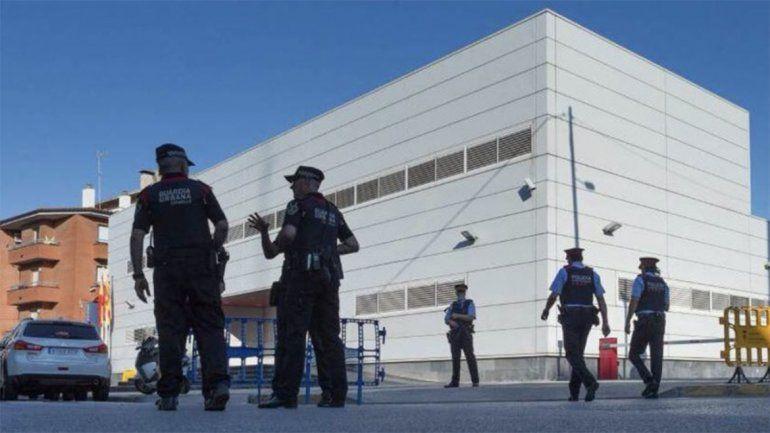 Matan a un hombre que entró armado a una comisaría
