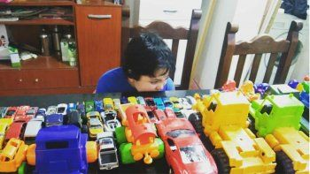 dia del nino especial: recolectores de basura le cumplieron el sueno a un nene neuquino
