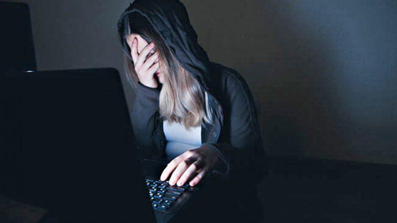 Acusan a un docente rionegrino por acosar a sus alumnas por internet
