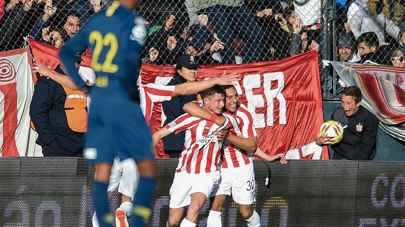 El festejo tras el gol de Pellegrini