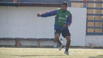 Lucas Mellado entrenando con Roca en el Luis Maiolino.