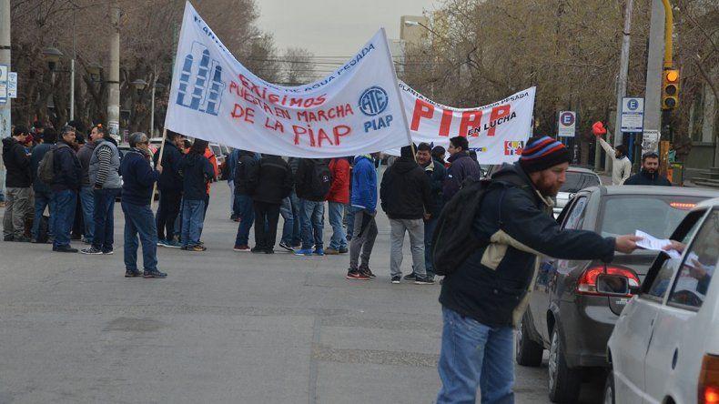 Los trabajadores de la PIAP se manifestaron en Casa de Gobierno