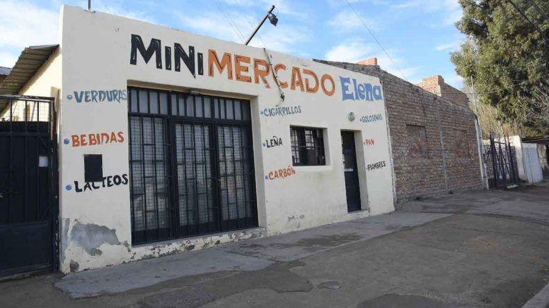 La cueva de alcohol funcionaba en calle Belgrano al 2300 de Neuquén.