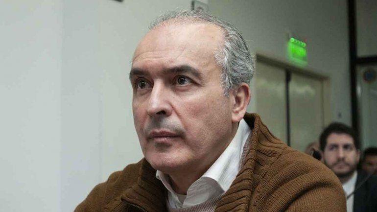 José López: Es muy difícil salir de ese sistema perverso