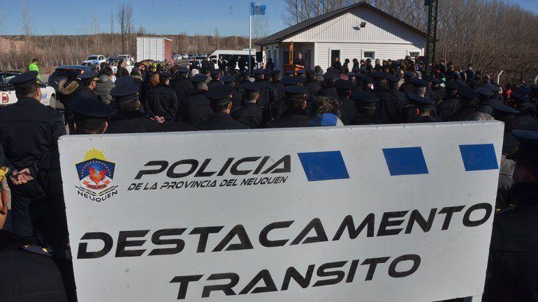 Gutiérrez inauguró el puesto de control policial en el tercer puente