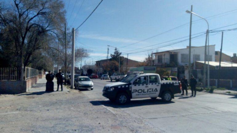 A los tiros frente a un colegio: hay un detenido