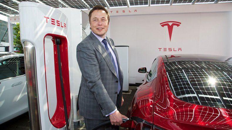 Tesla seguirá siendo una empresa que cotiza en la bolsa