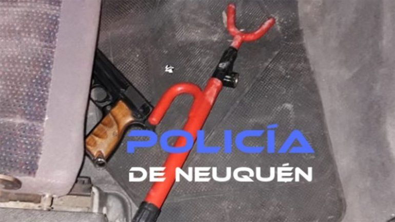 Paseo de la Costa: amenazaron a un joven con un arma de fuego y fueron detenidos