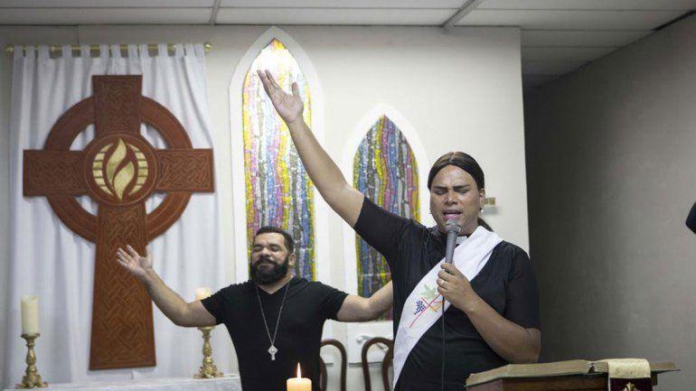 Tiene 37 años y es pastora de una iglesia protestante. Quiere contradecir la política de los poderosos en su país.