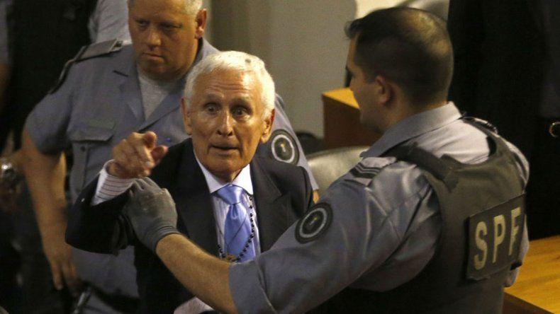 El ex policía tiene seis condenas por delitos de lesa humanidad.