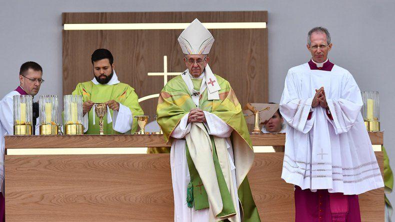 Unas 500 mil personas acompañaron al Papa en Irlanda.