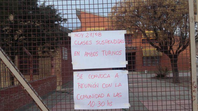 Piden seguridad y suspenden las clases en la escuela 180 tras la balacera entre bandas