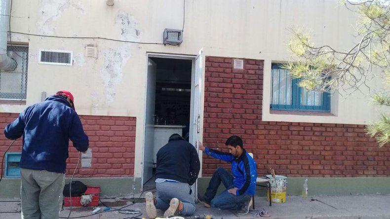 Los niños del jardín nº 6 sin clases: se robaron la bomba de agua